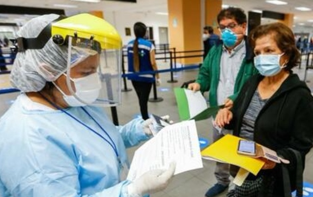 El aeropuerto Jorge Chávez, una coladera del coronavirus