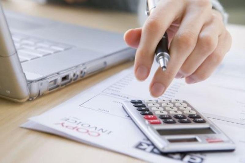 ¿Cómo diferenciar entre los ahorros, los gastos y la inversión en las finanzas personales?