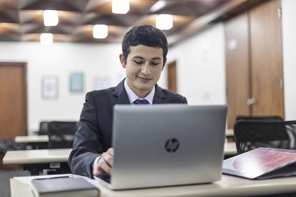¿Cómo tener un CV atractivo y potente?
