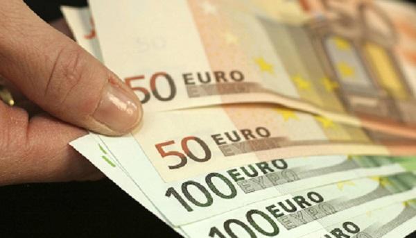 ¿Conviene ahorrar en euros?