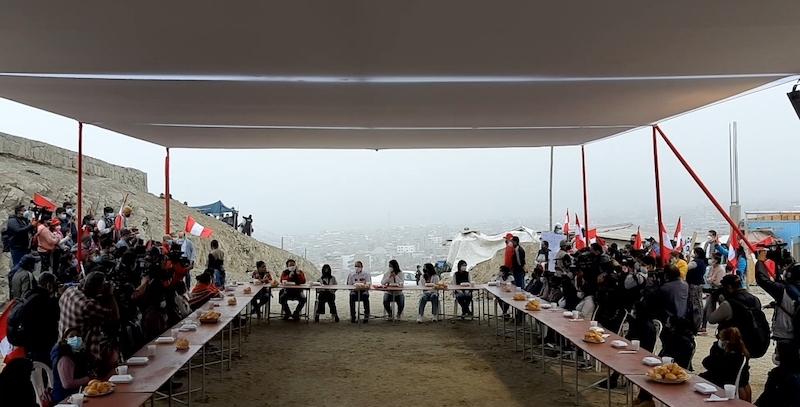 Keiko Fujimori en desayuno tradicional