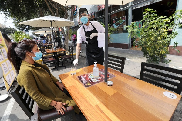 Restaurantes: ¿Subieron sus ventas con reducción del toque de queda?