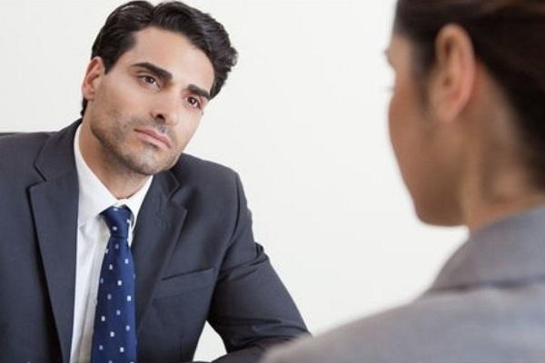 ¿Me pueden despedir si tengo contrato indefinido?