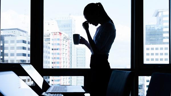 Salud mental: ¿Cómo cuidarla si tu entorno laboral es negativo?