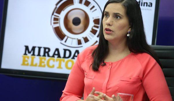 Verónika Mendoza exiliada en Bolivia (primera parte)