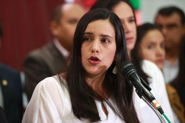 Verónika Mendoza exiliada en Bolivia (segunda parte)